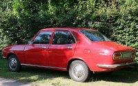 Mazda 616, седан, вид сзади
