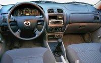 Mazda Familia BJ, интерьер