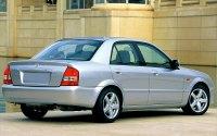 Mazda Familia BJ, седан, вид сзади